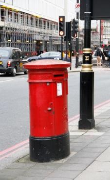 Hach - die roten Briefkästen <3