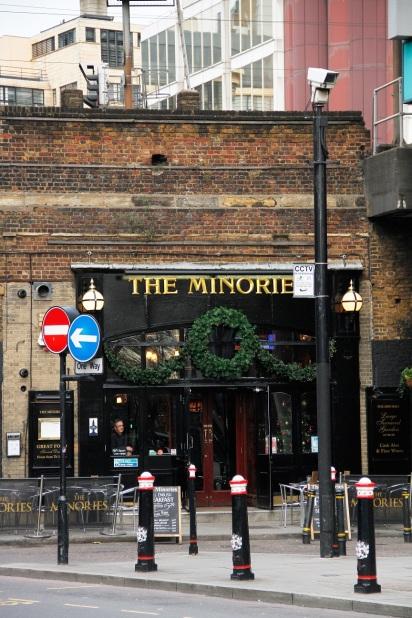 überall wunderschöne Pubs und Restaurants