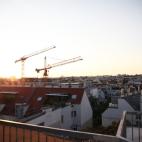 Sonnenuntergang auf der Dachterasse genossen